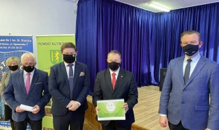 W Kutnie powstanie park za 20 milionów złotych? Konferencja prasowa Starosty Kutnowskiego oraz Łódzkiego Kuratora Oświaty